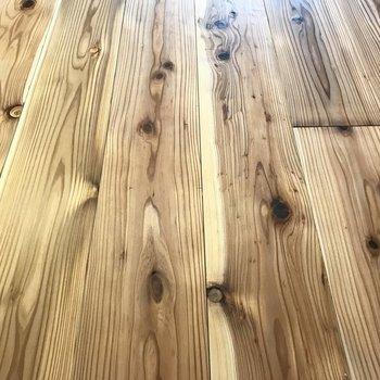 ただの無垢床じゃない、、こちら日田杉なんです!より愛着わくなぁ。