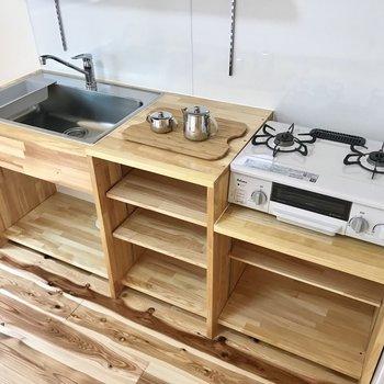 料理スペースもシンクの広さもしっかりと。食洗機対応ですよ。