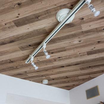 天井のディテールにもこだわっています。