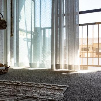 なんて優しい光なんだろう。※家具はサンプルです