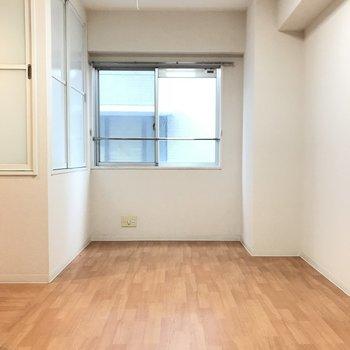廊下の先にも更に洋室。 (※写真は3階の同間取り別部屋のものです)