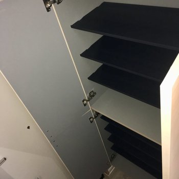 【1階】靴箱にはたくさん入ります。