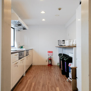 キッチンスペースも広々。