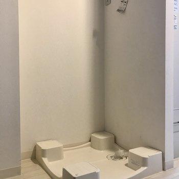 洗濯機は入ってすぐのこちらに!(※写真は4階の同間取り別部屋のものです)