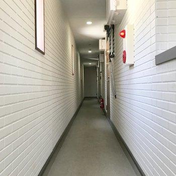 共用廊下も室内だからキレイ◎