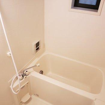 ちょうどいいサイズのお風呂(※写真は同間取り別部屋のものです)
