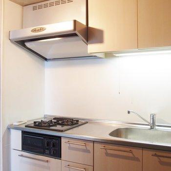 キッチンも広々です!※写真は9階の同間取り別部屋のものです