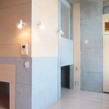 この左側に写っているのが床下収納です。※写真は9階の同間取り別部屋のものです