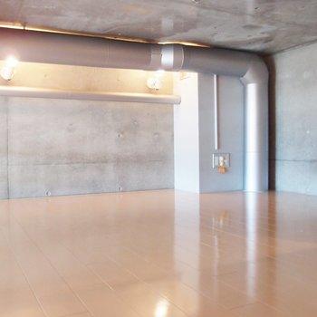 ロフトも広さあります!※写真は9階の同間取り別部屋のものです