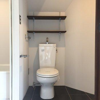 お手洗いには、可愛い飾り棚もありますよ〜!※写真は前回募集時のものです
