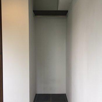 【洋室】収納は洋室の死角に、隠れクローゼット!※写真は前回募集時のものです