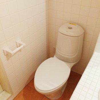 トイレが向かい合うことになります。※写真は2階の同間取り別部屋のものです