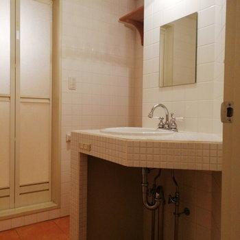 水回りもかわいらしいですよ〜!※写真は2階の同間取り別部屋のものです