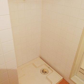 洗濯機と※写真は2階の同間取り別部屋のものです