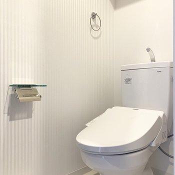 トイレもスタイリッシュ(※写真は9階の同間取り別部屋のものです)