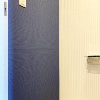 目の前はネイビークロス(※写真は9階の同間取り別部屋のものです)