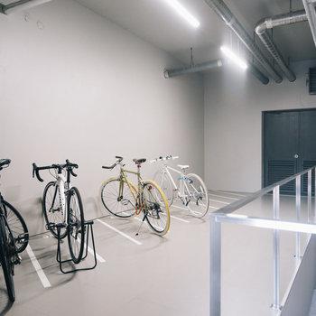 良い自転車はこちらで大切に。