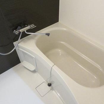 綺麗なお風呂、ゆったりできそうです(※写真は9階の同間取り別部屋のものです)