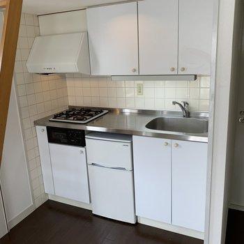 冷蔵庫付きキッチン