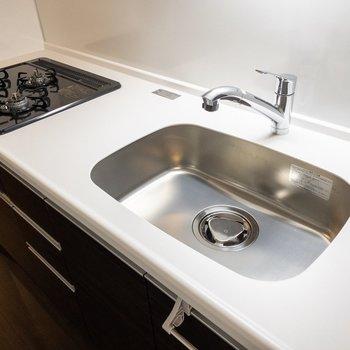 新築なのできれいなキッチン!