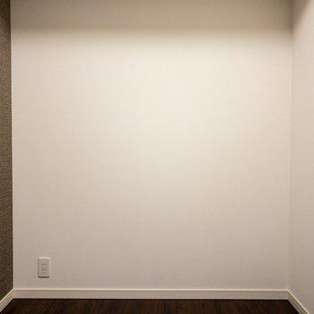 【洋室3帖】コンパクトな空間です。