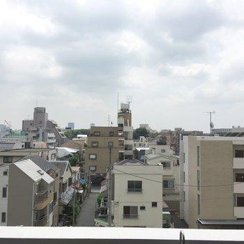 眺望はこちら。5階なだけあって、気持ちがいいです。