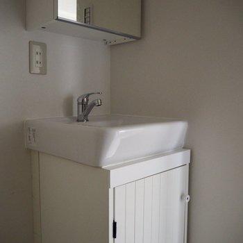 可愛らしい洗面台