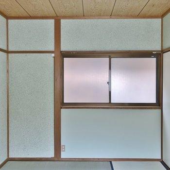 もう一部屋は和室。