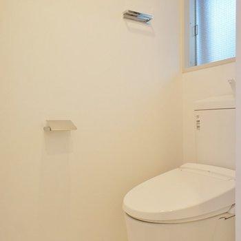 トイレには窓!※写真は前回募集時のものです