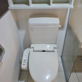 トイレ後ろの棚が嬉しい♡