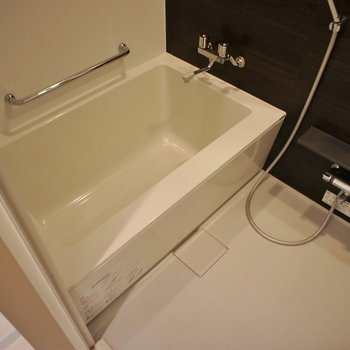 お休みの日には半身浴もいいなあ♡※写真は101号室のもの