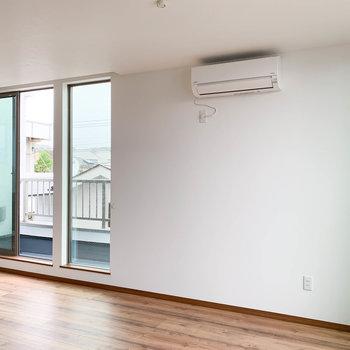 【LDK】この白壁あたり、家具起きやすそう。