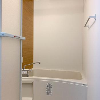 浴室乾燥、追い炊き、鏡付きのお風呂。頼りになる〜