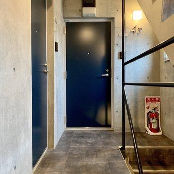 さいごに共用部。エレベーターはありません