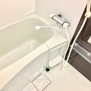 お風呂だってピカピカ♪(※写真は2階の反転間取り別部屋のものです)