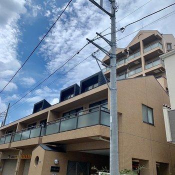 小道沿いの建物です。