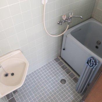 浴槽は、小さめです