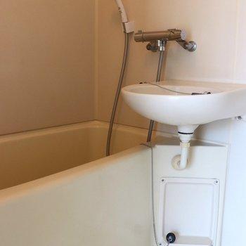 お風呂と洗面台の2点ユニット