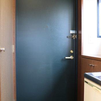 重量感のあるドア
