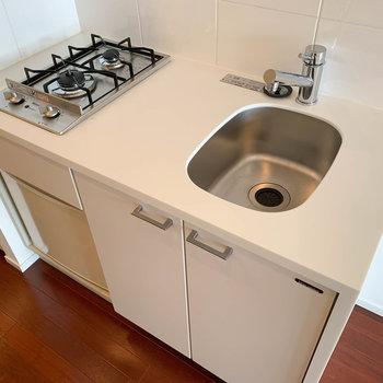 キッチンです。作業スペースもしっかりあるね。