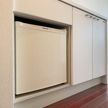 ミニ冷蔵庫付いてます。これがまたホテルっぽくて良いなあ。