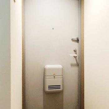 【上階】ちらりと写る玄関タイルが可愛い〜!