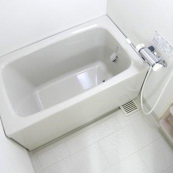 浴室は普通サイズかな♪