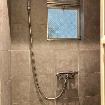 潔くシャワールームのみ!(※写真は清掃前のものです)