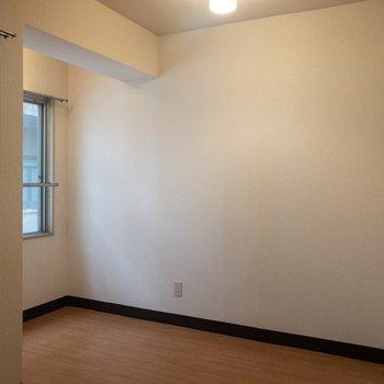 アンティーク家具が似合いそう。※写真は3階の同間取り別部屋のものです