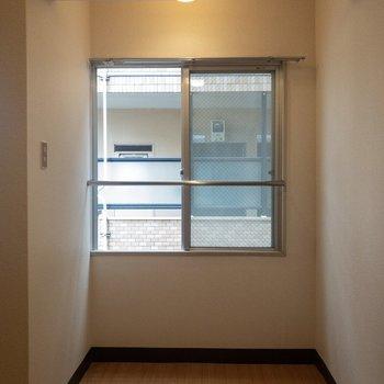 ここにテーブルとチェアを置こうかな。※写真は3階の同間取り別部屋のものです