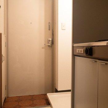玄関付近はスッキリ。※写真は3階の同間取り別部屋のものです