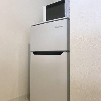 冷蔵庫と電子レンジ。これは絶対欠かせない必需品。