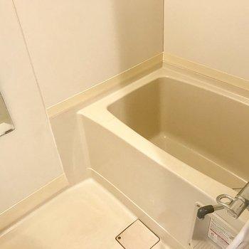 お風呂、狭いのかなーって思ったいえど意外と広かった!