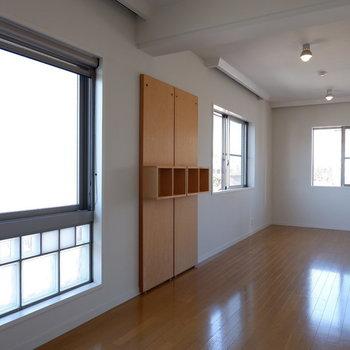 とにかく風通しが良いのです。※写真は5階の同間取り別部屋のものです